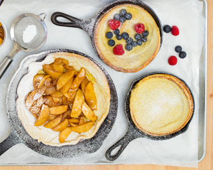 German Pancakes with Spiced Apples